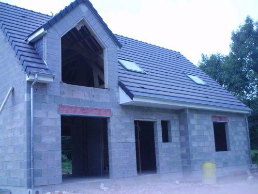 Types de lucarnes les guides de la construction bois for Type de toiture maison