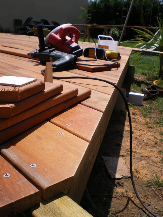 r aliser un angle 45 les guides de la construction bois. Black Bedroom Furniture Sets. Home Design Ideas